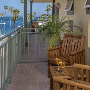 Avalon Hotel - Room 202 - Balcony